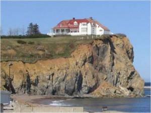 dom na opoce i na piasku